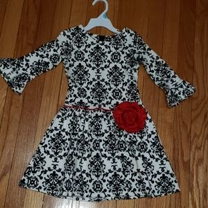 Counting Daisies girls dress